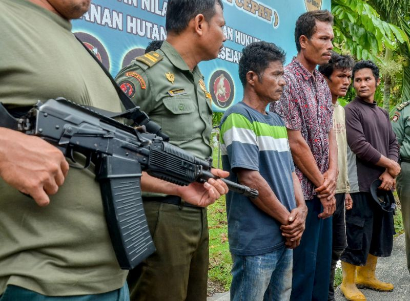 بازداشت ۴ اندونزیایی به خاطر خوردن ۴ خرس +عکس