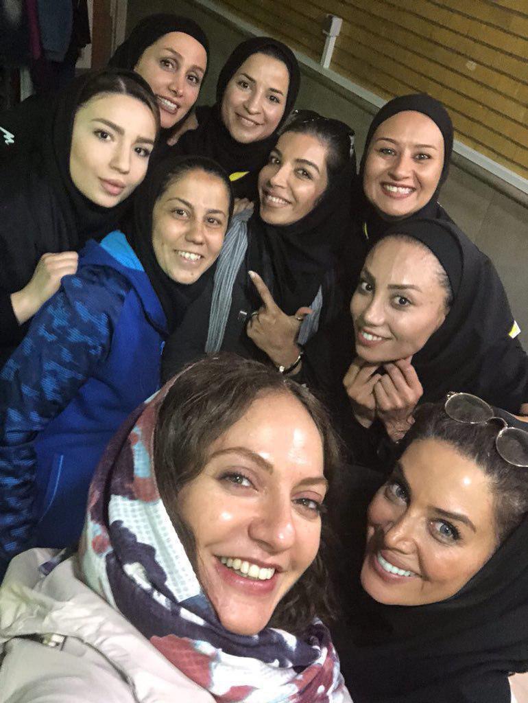 حضور خانم بازیگر در بازی فوتسال بانوان ایران و اوکراین+عکس