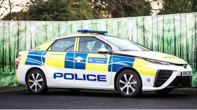 تحویل «تویوتا میرای» به پلیس لندن + عکس