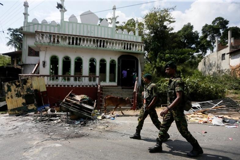 حمله بودائیان به مسجدی دیگر در سریلانکا +عکس