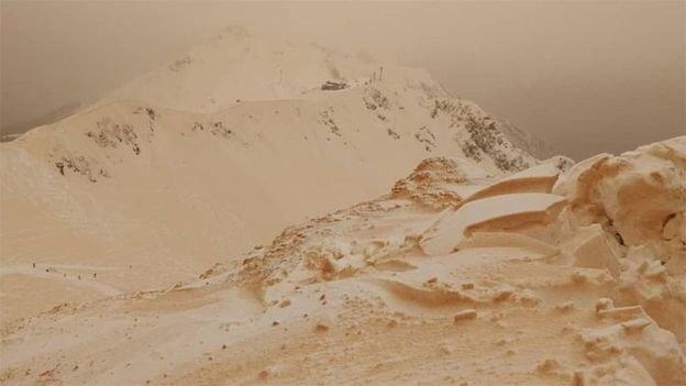 بارش «برف نارنجی» اروپا را شگفتزده کرد +عکس