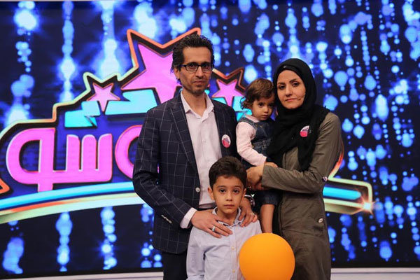 بازیگر «قصههای مجید» با فرزندانش در تلویزیون +عکس