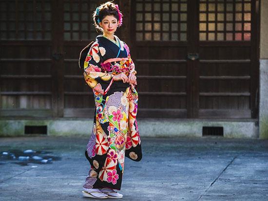 کیمونو چیست؟ تاریخچه لباس سنتی کشور ژاپن {hendevaneh.com}{سایتهندوانه} - 216709 970 - کیمونو چیست؟ تاریخچه لباس سنتی کشور ژاپن