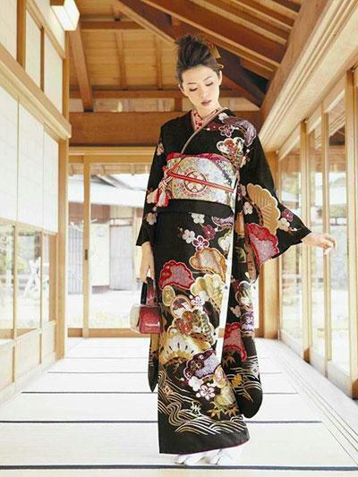 کیمونو چیست؟ تاریخچه لباس سنتی کشور ژاپن {hendevaneh.com}{سایتهندوانه} - 216711 917 - کیمونو چیست؟ تاریخچه لباس سنتی کشور ژاپن