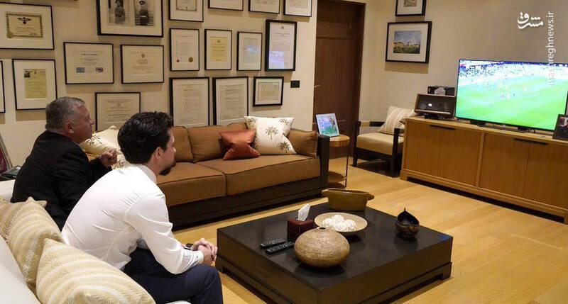 پادشاه اردن در حال تماشای فوتبال+عکس