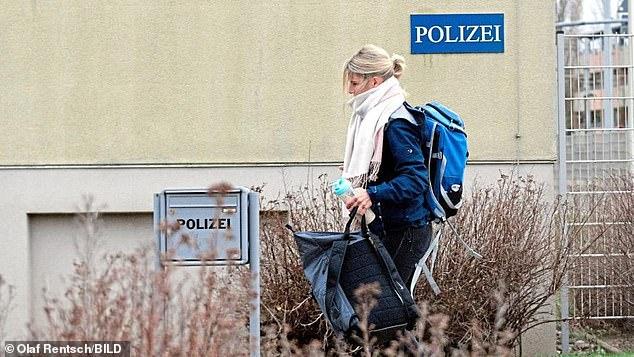زیباترین پلیس آلمان به شغلش بازگشت