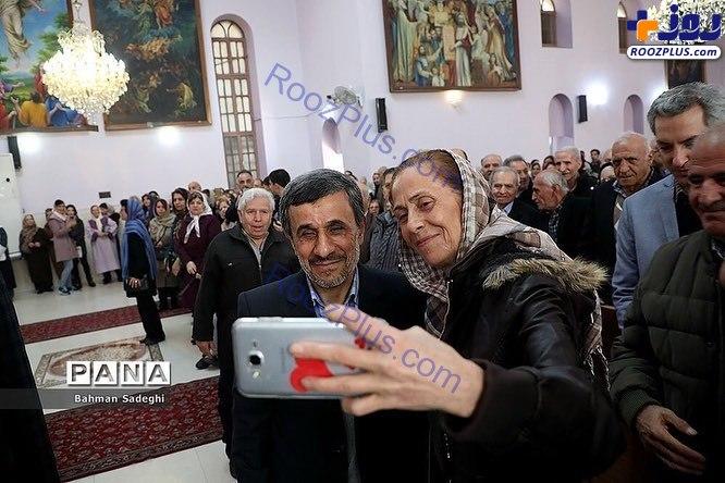 حضور احمدی نژاد در یک کلیسا +تصاویر
