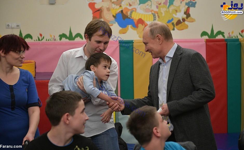 پوتین در بیمارستان کودکان+عکس