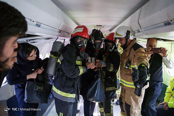 زنان آتشنشان در مانور اضطراری مشهد +عکس