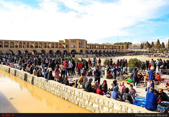 حال و هوای اصفهان بعد از بازگشایی زاینده رود +عکس