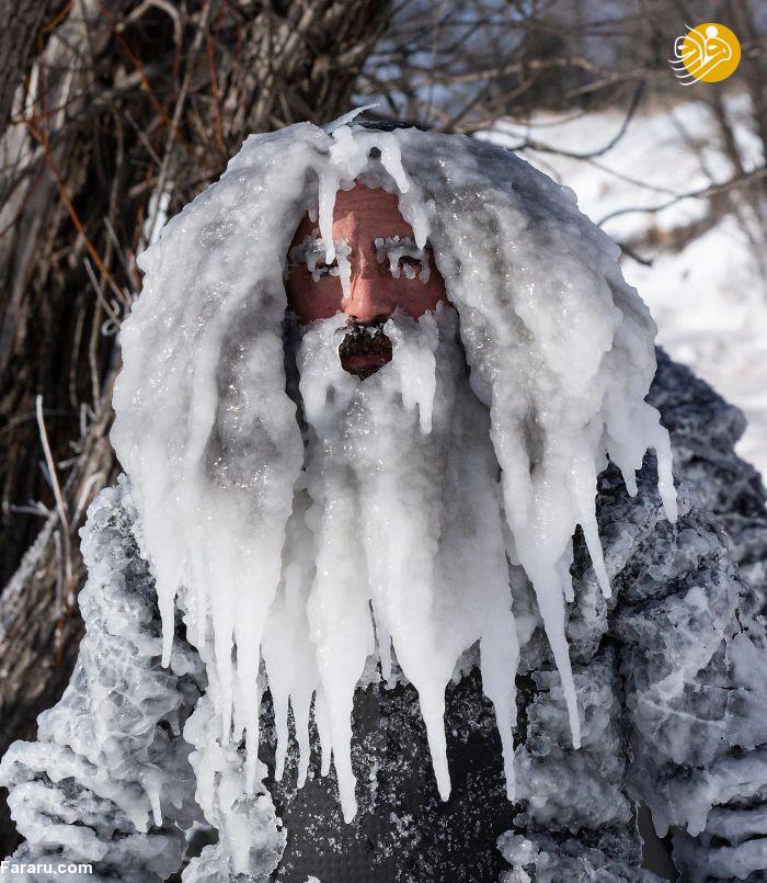 تصاویر شگفت انگیز از مردی در سرمای قطبی
