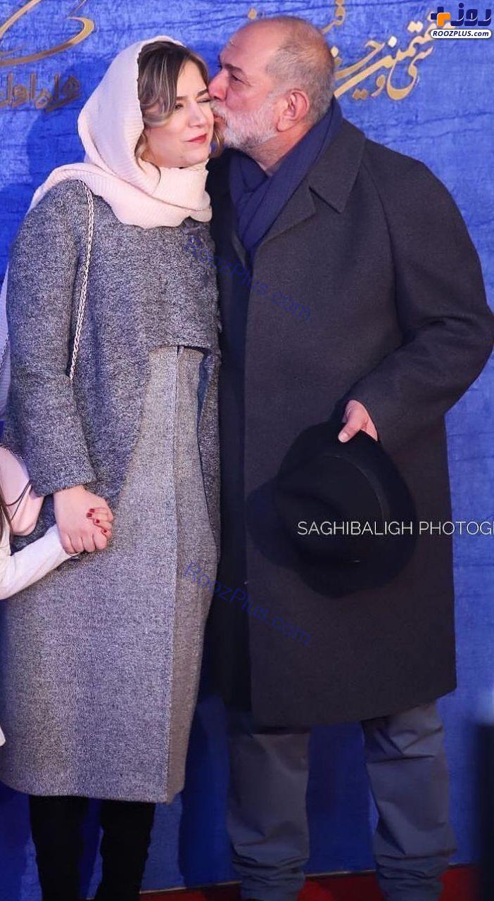 بوسه آتیلا پسیانی بر صورت دخترش در جشنواره فجر+عکس
