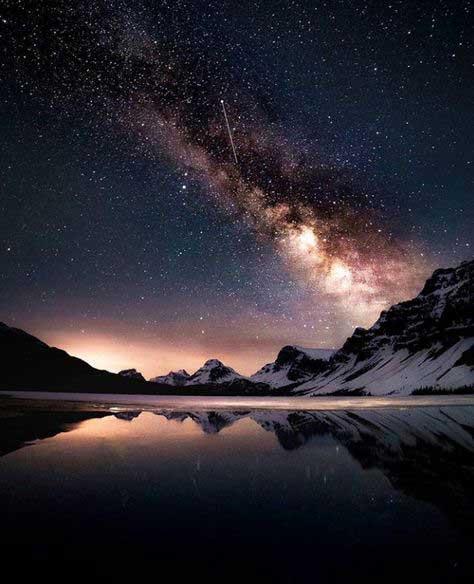 تصویری زیبا از آسمان شب