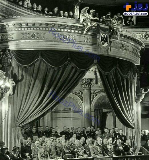 هیتلر در سالن اُپرا+عکس