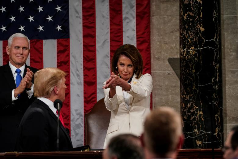 حرکت عجیب یک زن جلوی ترامپ + عکس