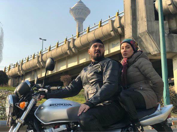 موتورسواری کامبیز دیرباز و بهاره افشاری در تهران+ عکس