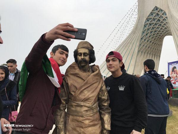 حاشیههای تصویری از راهپیمایی ۲۲ بهمن