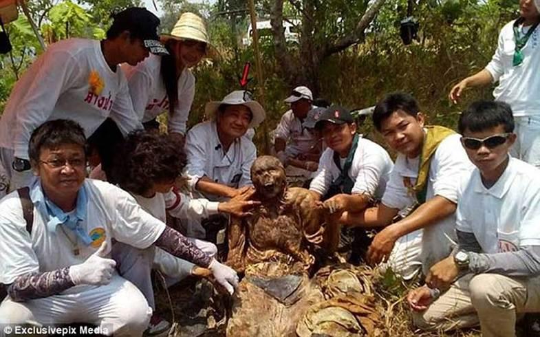خالکوبیهای جادویی جسد مرد تایلندی همه را شوکه کرد +تصاویر
