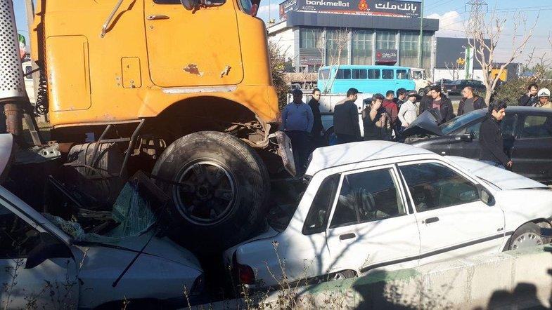 کامیون ۲ پراید را در جاده مخصوص له کرد +عکس