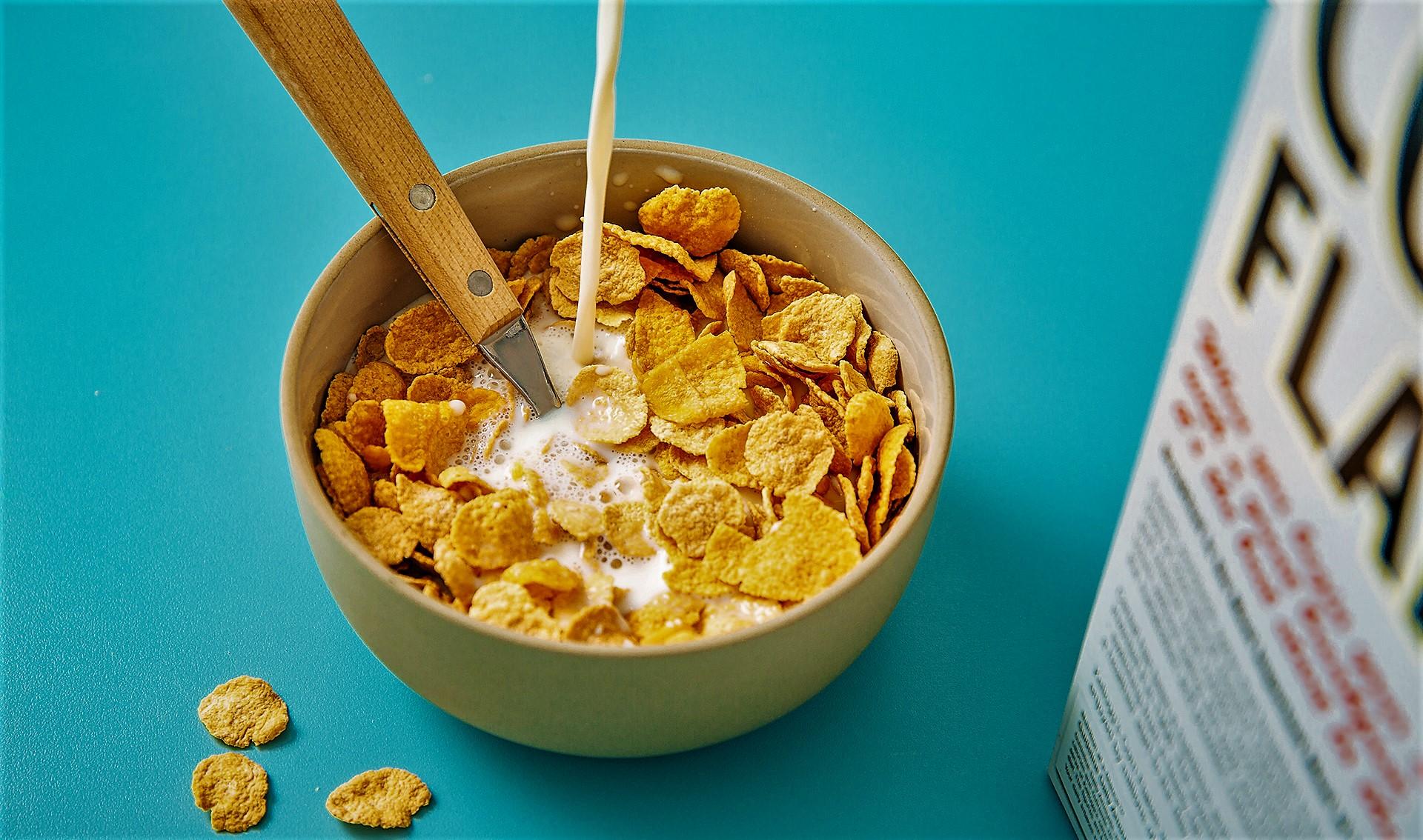کورن فلکس خانگی؛ صبحانهتان را کامل کنید {hendevaneh.com}{سایتهندوانه}کورن فلکس خانگی؛ صبحانهتان را کامل کنید - 229112 526 - کورن فلکس خانگی؛ صبحانهتان را کامل کنید
