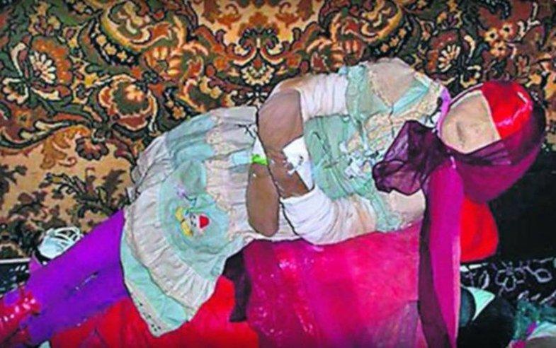 دانشمند روس اجساد گورستان را عروسک میکرد!؟ +تصاویر