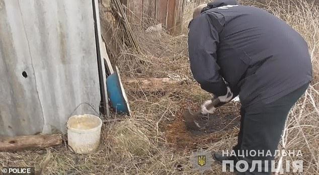مادر اوکراینی فرزندش را زنده زنده در آتش سوزاند +عکس