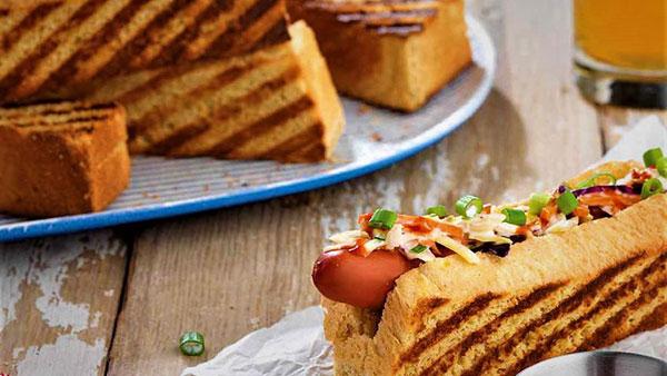 نان ذرت با هات داگ؛ غذایی خوشمزه و فوری