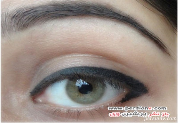 درشت نشان دادن چشم با خط چشم {hendevaneh.com}{سایتهندوانه}چطور چشم ها را با خط چشم درشت تر کنیم - 227413 629 - چطور چشم ها را با خط چشم درشت تر کنیم