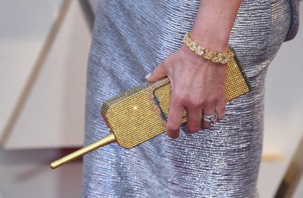 جواهرات سلبریتی ها در اسکار {hendevaneh.com}{سایتهندوانه}نگاهی به جواهرات خیره کننده سلبریتی ها در اسکار - 228023 856 - نگاهی به جواهرات خیره کننده سلبریتی ها در اسکار