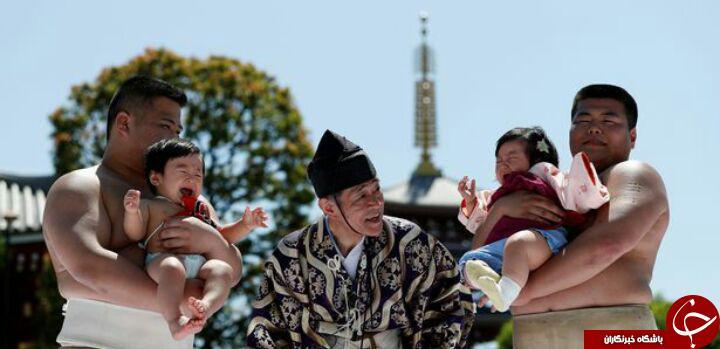 رسم عجیب ژاپنیها پیش ازآغاز مسابقه کشتی+تصاویر