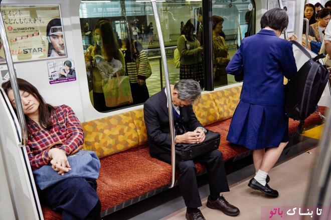خوابیدن در اماکن عمومی؛ سنت هزار ساله ی ژاپنی ها!