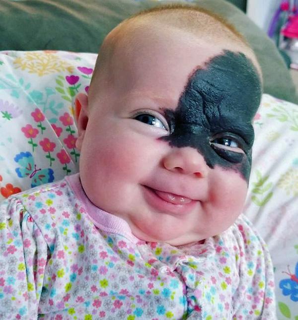 دختر بتمن به دنیا آمد! +عکس