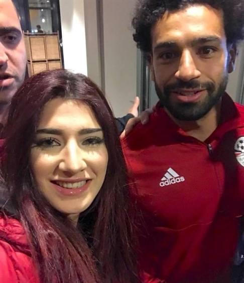 واکنش ستاره فوتبال با دیدن دختری که از او خواستگاری کرد+عکس