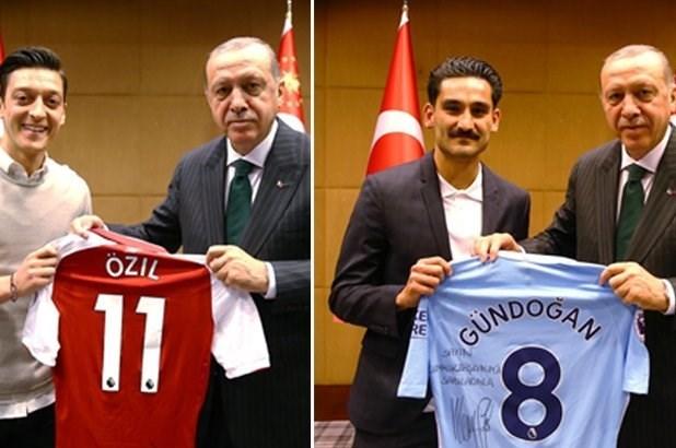 توبیخ دو ملیپوش به خاطر عکس یادگاری با اردوغان +عکس