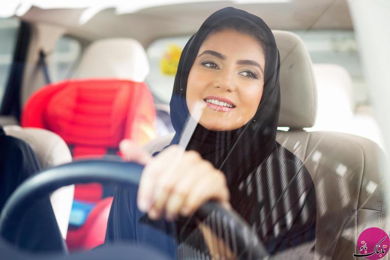 آرایش زنان در هنگام رانندگی در این کشور ممنوع شد