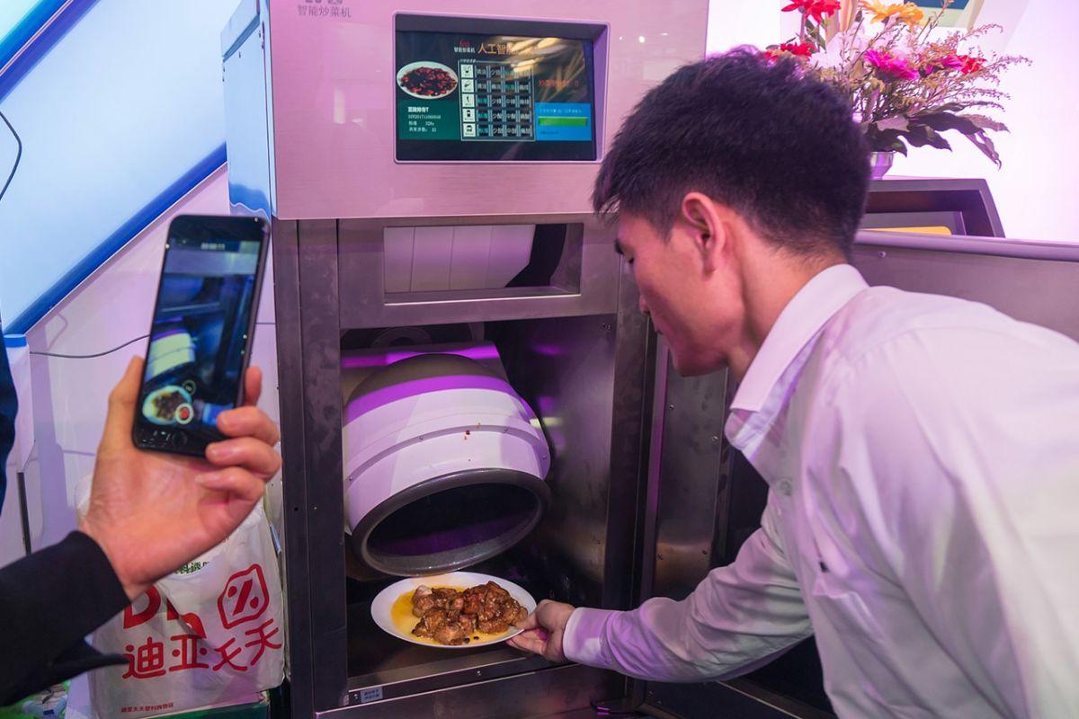 چینیها ربات آشپز ساختند+عکس