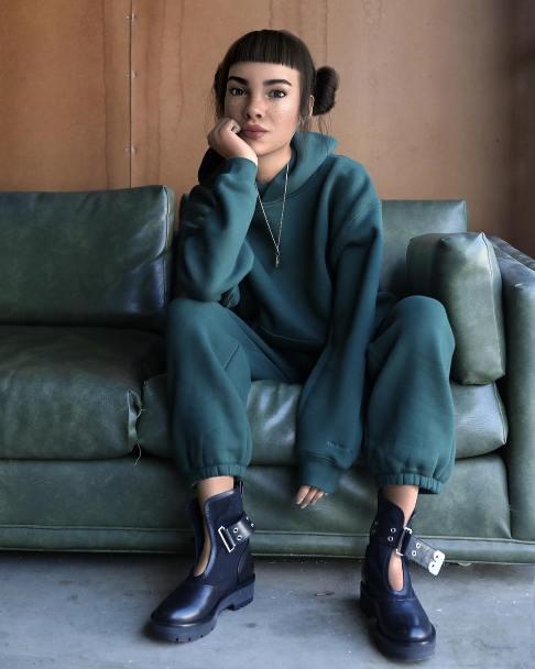 مدل مشهور اینستاگرام غیرواقعی از آب درآمد+عکس