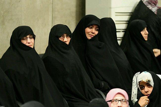 حضور «الهام چرخنده» در حسینیه امام (ره)+عکس