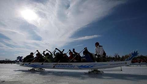 مسابقات قایقرانی روی یخ در روسیه
