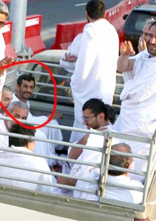 تصویری متفاوت از سفر احمدینژاد به عربستان