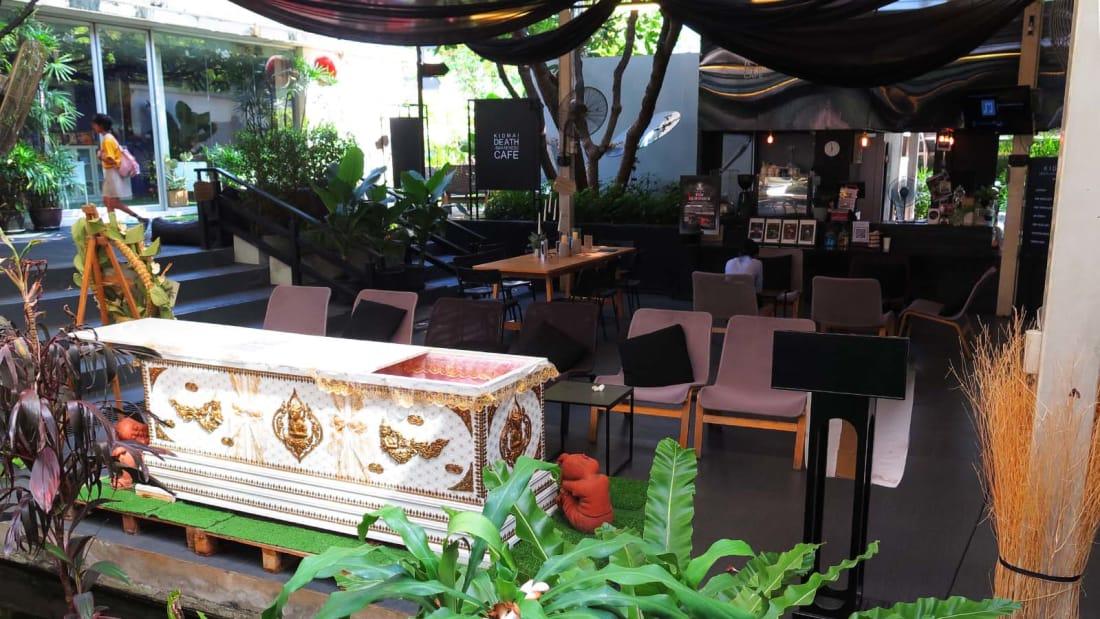 کافه مرگ بانکوک با طعم قهوه و تابوت