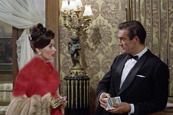اولین جیمز باند زن سینما درگذشت +عکس