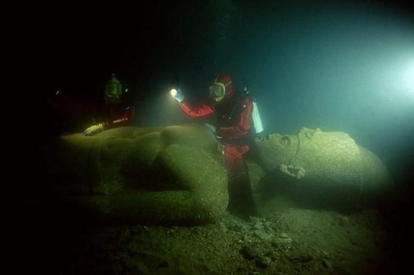 ۱۳ مورد از حیرت انگیزترین گنجینه های کشف شده زیر آب