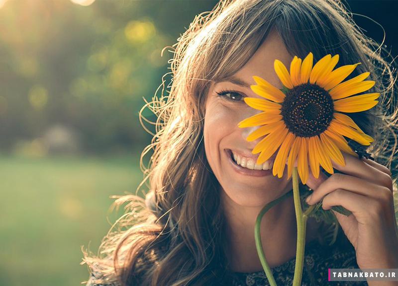با لبخندهایتان هورمون استرس دوستانتان را کنترل کنید!