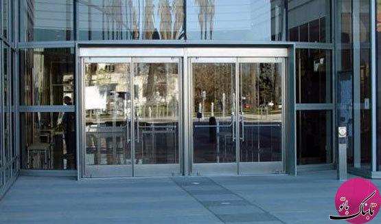 جلوهی زیبای ساختمان با نمای شیشهای