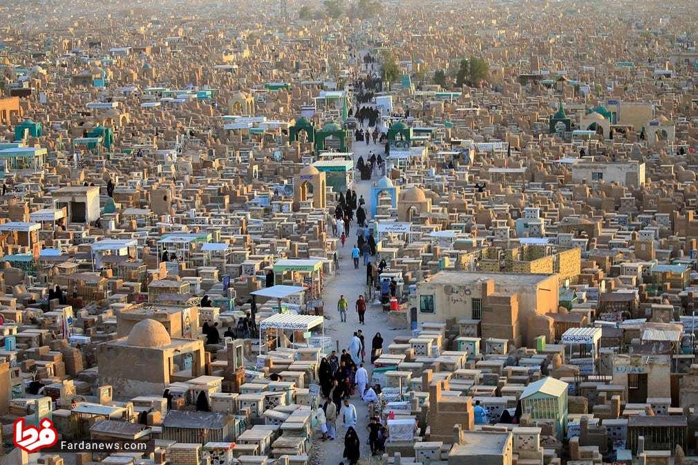 عکس زیبای رویترز از وادی السلام نجف