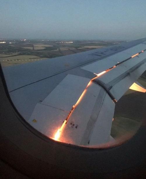 موتور هواپیمای تیم ملی عربستان آتش گرفت +عکس