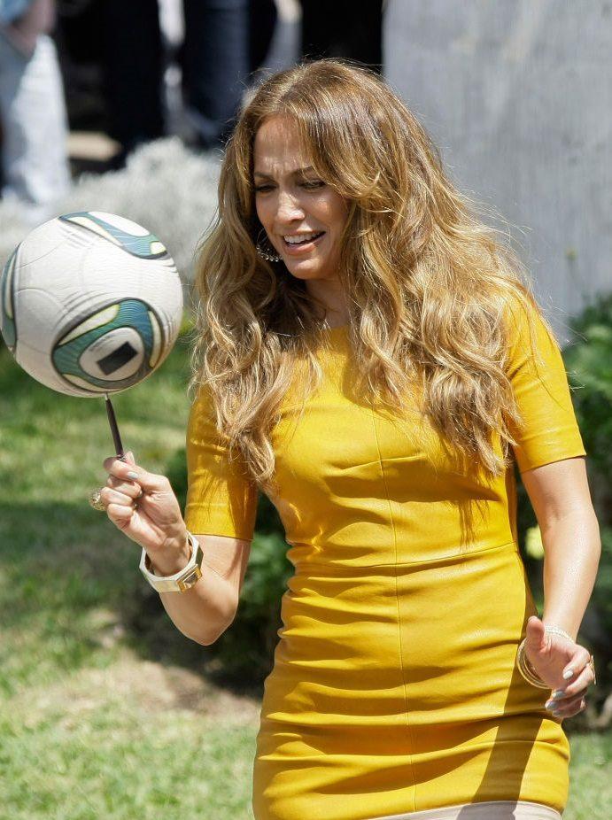 افراد مشهوری که به بازی فوتبال علاقه دارند