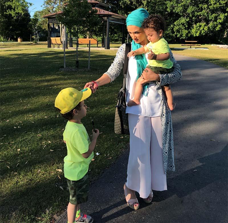 روناک یونسی با بچه هایش در کانادا + عکس