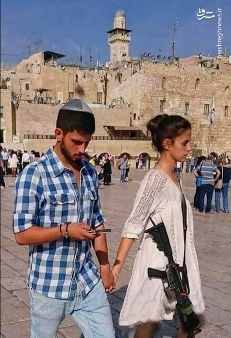 دختر اسرائیلی با مسلسل در مسجد الاقصی+عکس